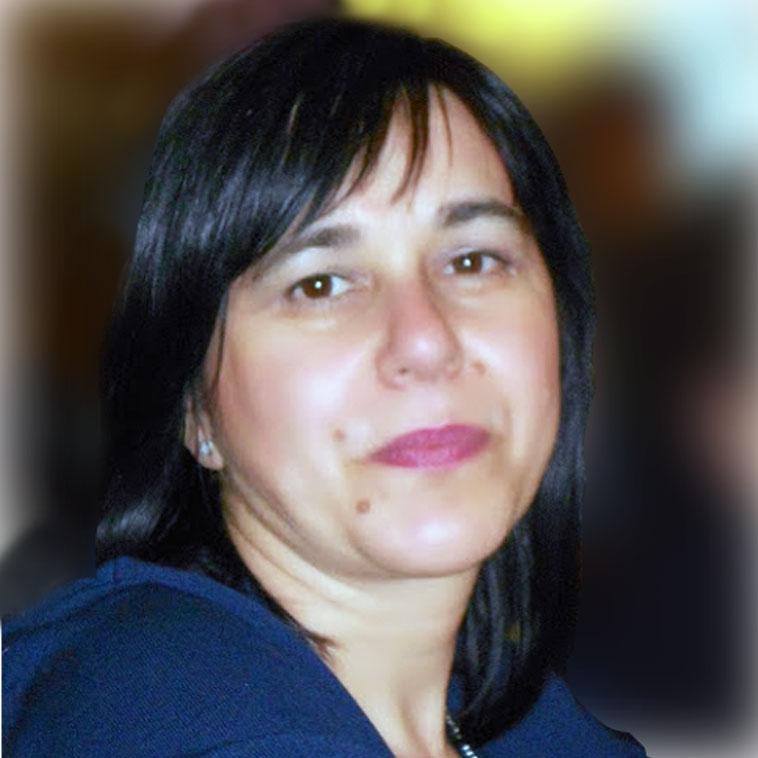 http://www.emmetiarredamenti.com/wp-content/uploads/2015/08/Marisa-Zuccari-portrait.jpg